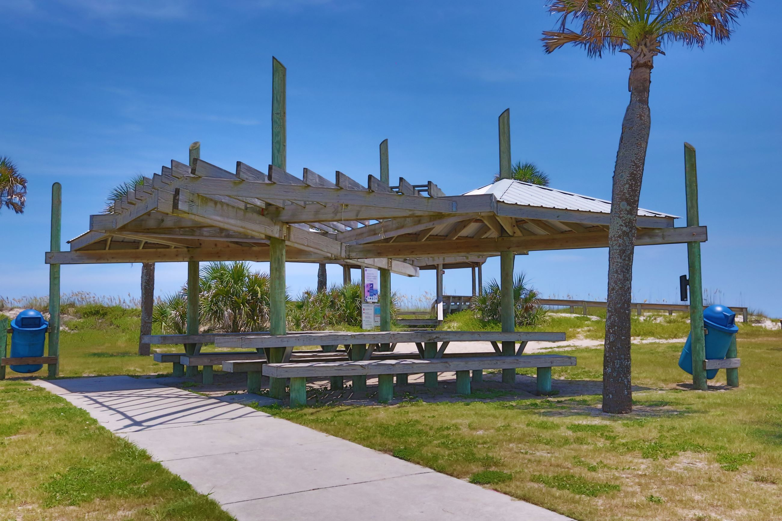 Main Beach Park Large Covered Picnic Area 9